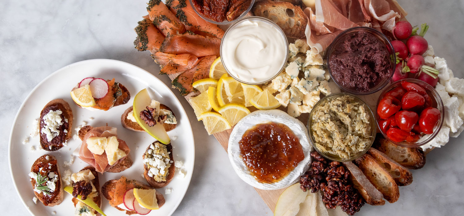 The Easy Crostini Cheese Board