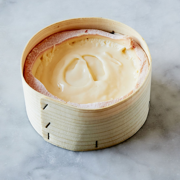 Vacherin Mont D'Or with Cut Rind