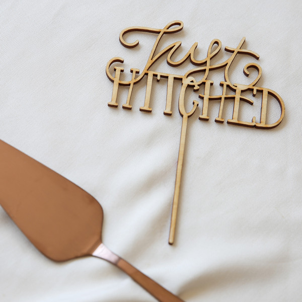 Belle & Union Co. Just Hitched Cake Topper
