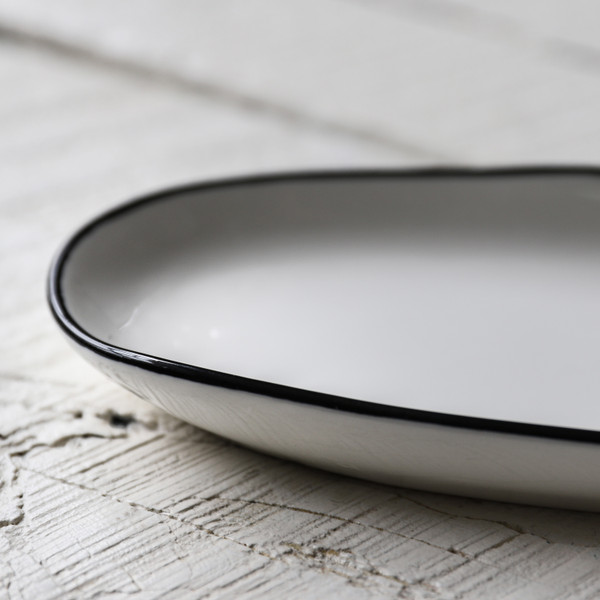 Canvas Home Abesses Oblong Plate Black Rim