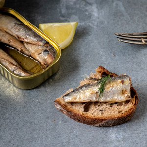 Jose Gourmet Smoked Small Sardines in Olive Oil 90g