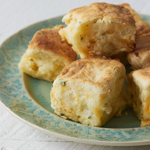 Callie's Biscuits Simply Cheese & Chive Biscuits 6oz
