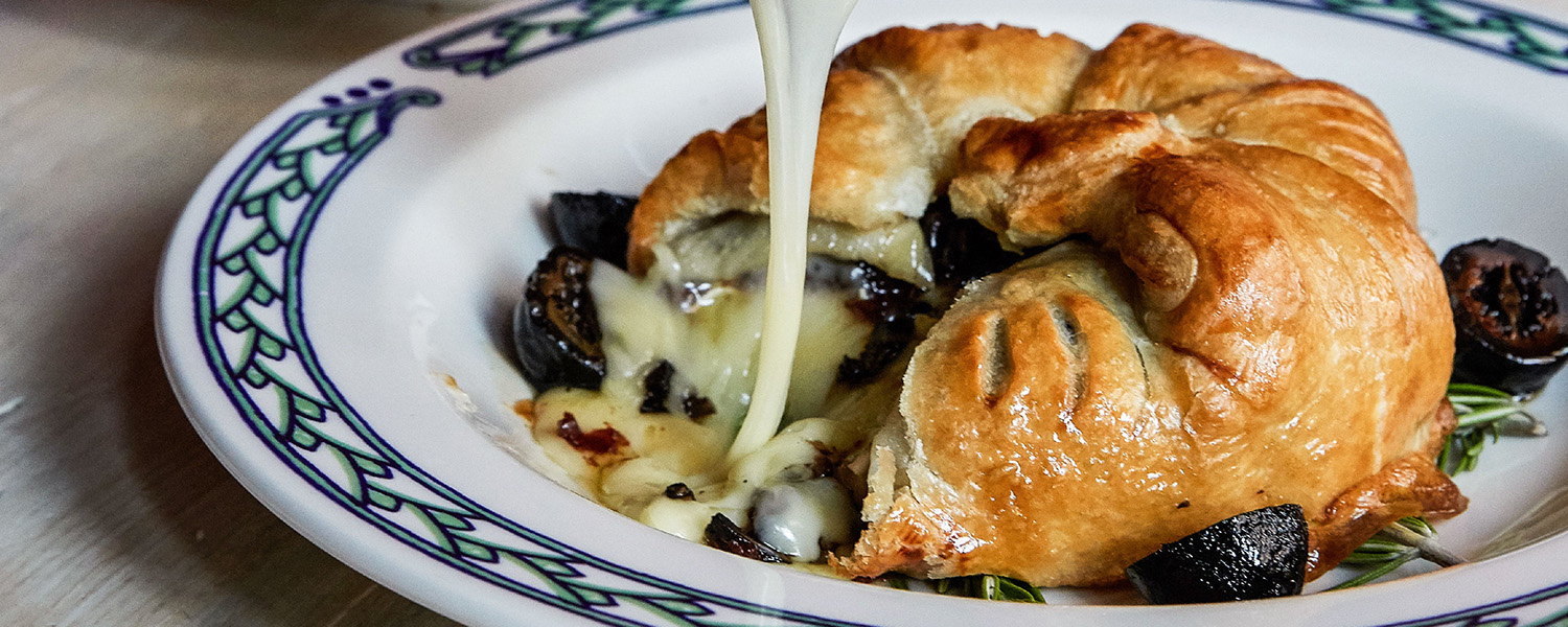 Murray's Classic Baked Brie