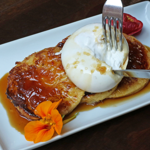Casellula Peaches & Cream Burrata French Toast