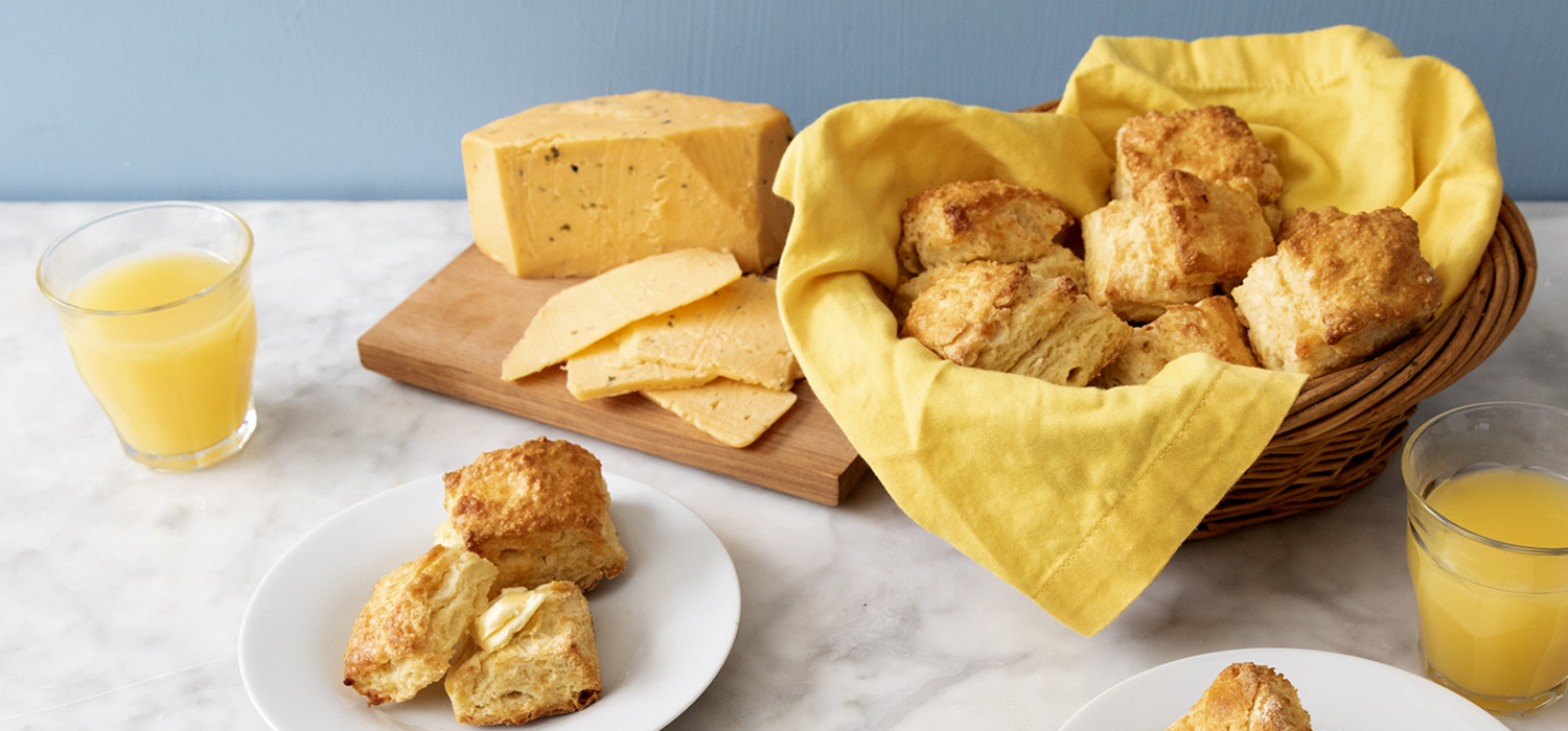 Cotswold Cheddar and Chive Biscuits 1