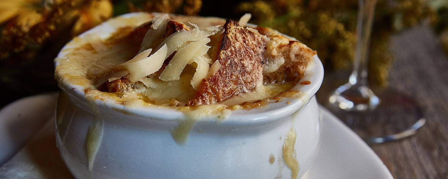 Classic Cheesy French Onion Soup with Murray's Cavemaster Reserve Annelies