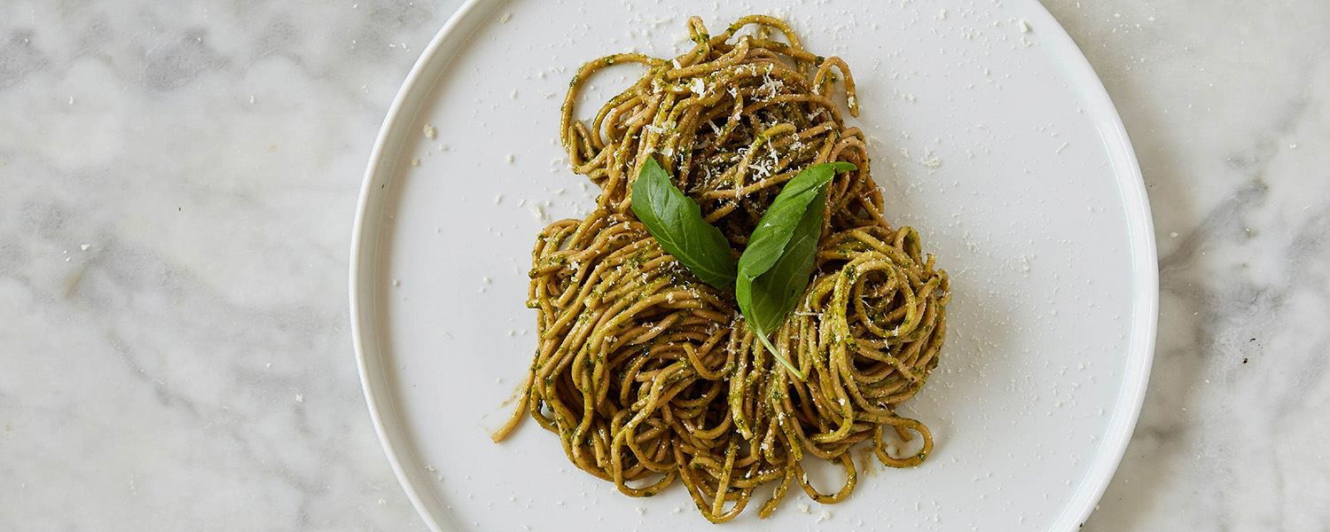 Un Posto Italiano Spaghetti with Basil Pesto